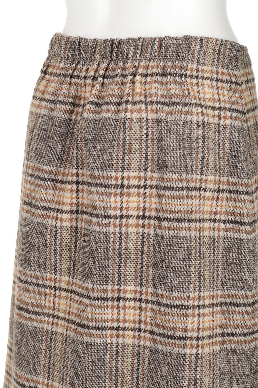 RetroCheckPatternedTweedSkirtレトロチェック・ツイードスカート大人カジュアルに最適な海外ファッションのothers(その他インポートアイテム)のボトムやスカート。温かみのあるツイード風のチェック生地が可愛いロングスカート。素材の雰囲気を生かしたレトロなチェック柄がおすすめポイントです。/main-12