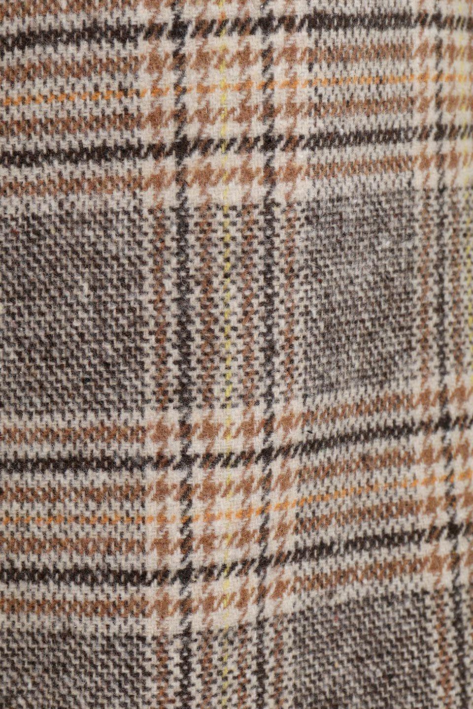 RetroCheckPatternedTweedSkirtレトロチェック・ツイードスカート大人カジュアルに最適な海外ファッションのothers(その他インポートアイテム)のボトムやスカート。温かみのあるツイード風のチェック生地が可愛いロングスカート。素材の雰囲気を生かしたレトロなチェック柄がおすすめポイントです。/main-13