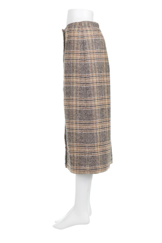 RetroCheckPatternedTweedSkirtレトロチェック・ツイードスカート大人カジュアルに最適な海外ファッションのothers(その他インポートアイテム)のボトムやスカート。温かみのあるツイード風のチェック生地が可愛いロングスカート。素材の雰囲気を生かしたレトロなチェック柄がおすすめポイントです。/main-2