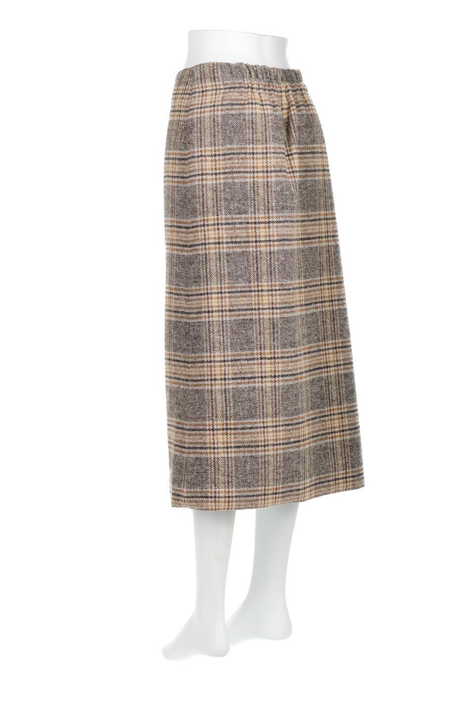 RetroCheckPatternedTweedSkirtレトロチェック・ツイードスカート大人カジュアルに最適な海外ファッションのothers(その他インポートアイテム)のボトムやスカート。温かみのあるツイード風のチェック生地が可愛いロングスカート。素材の雰囲気を生かしたレトロなチェック柄がおすすめポイントです。/main-3