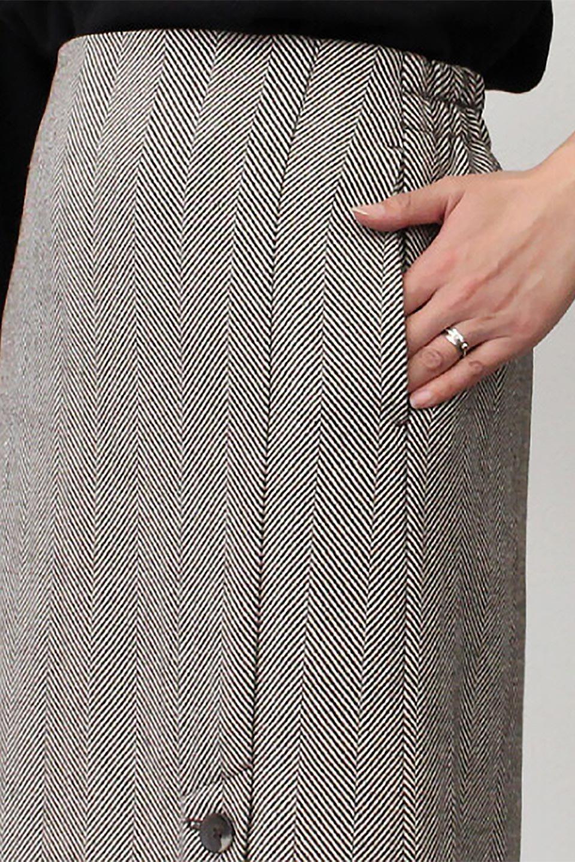 TweedHerringboneSemiTightSkirtツイードヘリンボーン・セミタイトスカート大人カジュアルに最適な海外ファッションのothers(その他インポートアイテム)のボトムやスカート。シックなヘリボーン生地のセミタイトスカート。ややゆとりのあるIラインが特徴の暖かスカートです。/main-28