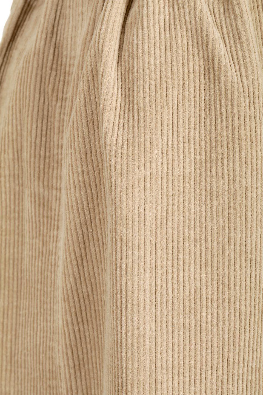 CorduroyLongSkirtw/WebbingBeltベルト付き・コーデュロイスカート大人カジュアルに最適な海外ファッションのothers(その他インポートアイテム)のボトムやスカート。太うねコーデュロイのセミタイトスカート。季節感のある太めのコーデュロイが人気のミディ丈スカート。/main-19