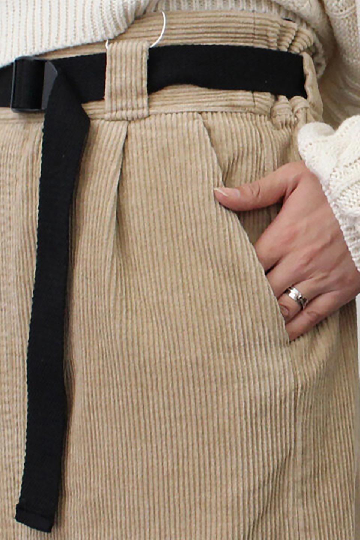 CorduroyLongSkirtw/WebbingBeltベルト付き・コーデュロイスカート大人カジュアルに最適な海外ファッションのothers(その他インポートアイテム)のボトムやスカート。太うねコーデュロイのセミタイトスカート。季節感のある太めのコーデュロイが人気のミディ丈スカート。/main-22