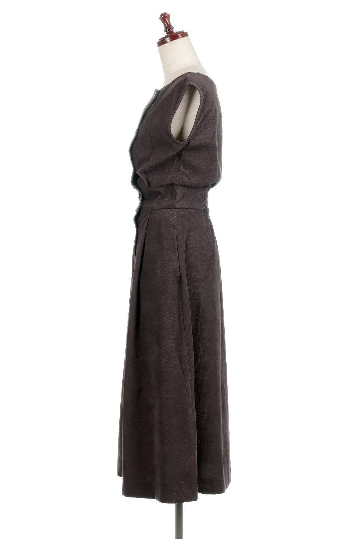 FrenchSleeveCorduroyLongDress細うねコーデュロイ・ロングワンピース大人カジュアルに最適な海外ファッションのothers(その他インポートアイテム)のワンピースやマキシワンピース。コーデュロイのフレンチスリーブが可愛いロングワンピース。センターからずらしたボタンもまた可愛いポイントです。/main-12