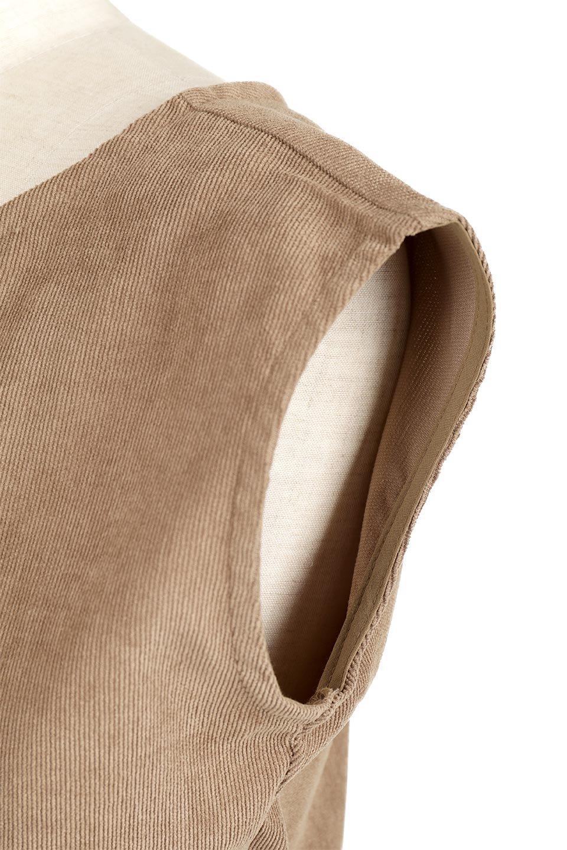 FrenchSleeveCorduroyLongDress細うねコーデュロイ・ロングワンピース大人カジュアルに最適な海外ファッションのothers(その他インポートアイテム)のワンピースやマキシワンピース。コーデュロイのフレンチスリーブが可愛いロングワンピース。センターからずらしたボタンもまた可愛いポイントです。/main-23