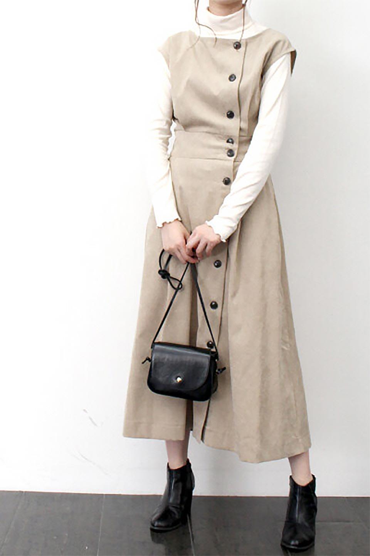 FrenchSleeveCorduroyLongDress細うねコーデュロイ・ロングワンピース大人カジュアルに最適な海外ファッションのothers(その他インポートアイテム)のワンピースやマキシワンピース。コーデュロイのフレンチスリーブが可愛いロングワンピース。センターからずらしたボタンもまた可愛いポイントです。/main-31