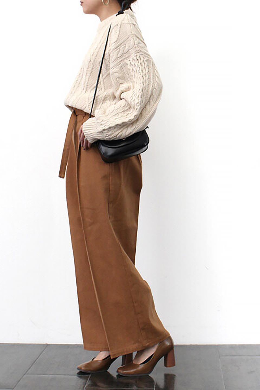 TuckedWideLegPants起毛加工・ワイドパンツ大人カジュアルに最適な海外ファッションのothers(その他インポートアイテム)のボトムやパンツ。合わせやすさ抜群のワイドパンツ。起毛加工された温かみのある素材を使用。/main-28