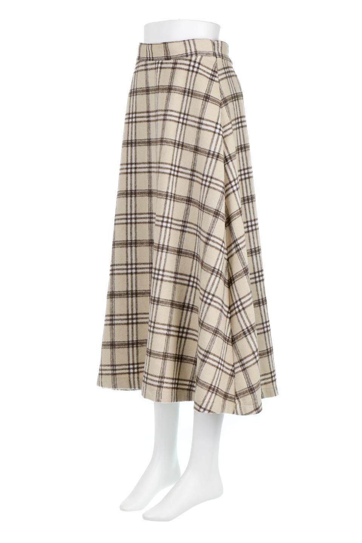 CheckPatternedA-LineLongSkirtAライン・チェックロングスカート大人カジュアルに最適な海外ファッションのothers(その他インポートアイテム)のボトムやスカート。合わせやすさ抜群のチェック柄ロングスカート。表面が起毛した温もりのある生地を使用した季節感のあるスカート。/main-1