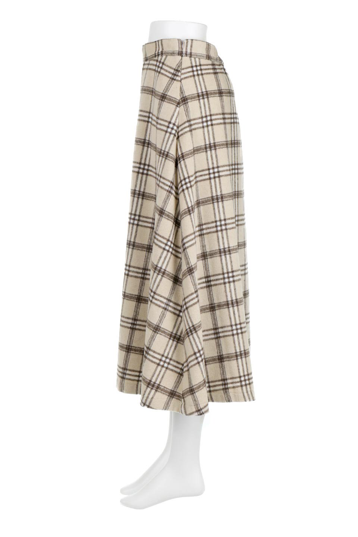 CheckPatternedA-LineLongSkirtAライン・チェックロングスカート大人カジュアルに最適な海外ファッションのothers(その他インポートアイテム)のボトムやスカート。合わせやすさ抜群のチェック柄ロングスカート。表面が起毛した温もりのある生地を使用した季節感のあるスカート。/main-2