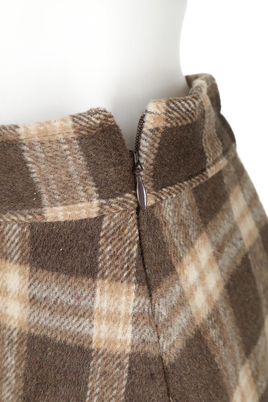 CheckPatternedA-LineLongSkirtAライン・チェックロングスカート大人カジュアルに最適な海外ファッションのothers(その他インポートアイテム)のボトムやスカート。合わせやすさ抜群のチェック柄ロングスカート。表面が起毛した温もりのある生地を使用した季節感のあるスカート。/main-24