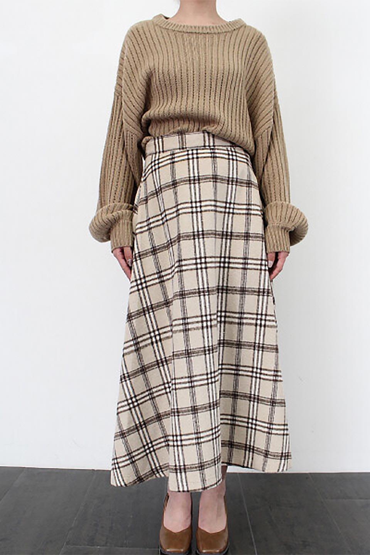 CheckPatternedA-LineLongSkirtAライン・チェックロングスカート大人カジュアルに最適な海外ファッションのothers(その他インポートアイテム)のボトムやスカート。合わせやすさ抜群のチェック柄ロングスカート。表面が起毛した温もりのある生地を使用した季節感のあるスカート。/main-27