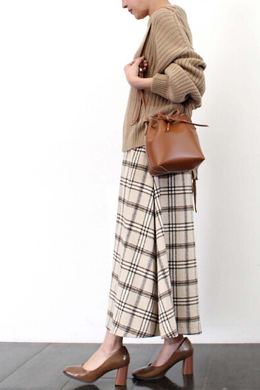 CheckPatternedA-LineLongSkirtAライン・チェックロングスカート大人カジュアルに最適な海外ファッションのothers(その他インポートアイテム)のボトムやスカート。合わせやすさ抜群のチェック柄ロングスカート。表面が起毛した温もりのある生地を使用した季節感のあるスカート。/main-30