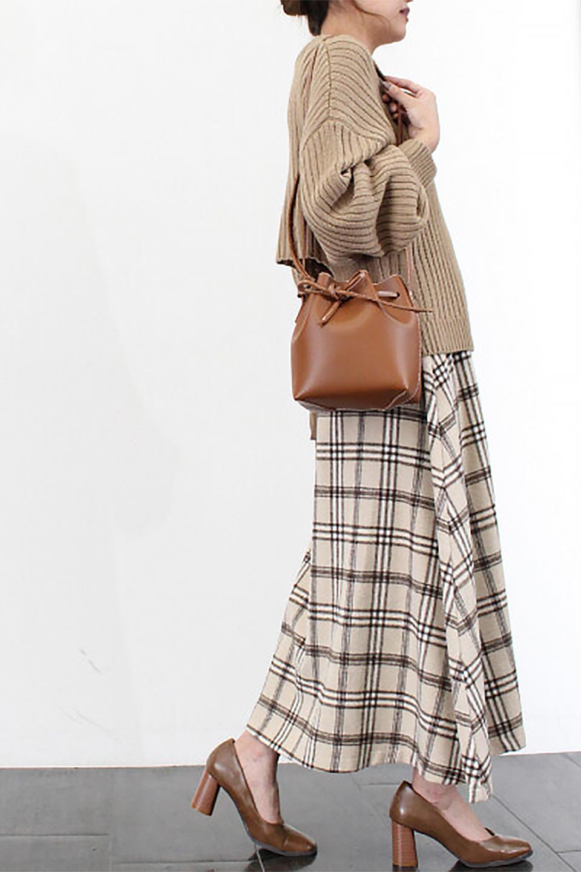 CheckPatternedA-LineLongSkirtAライン・チェックロングスカート大人カジュアルに最適な海外ファッションのothers(その他インポートアイテム)のボトムやスカート。合わせやすさ抜群のチェック柄ロングスカート。表面が起毛した温もりのある生地を使用した季節感のあるスカート。/main-31