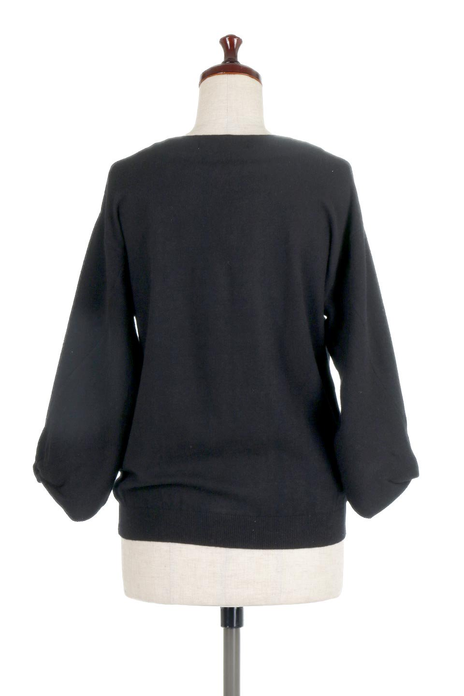 3DTwistSleeveKnitTopツイストスリーブ・ニットトップス大人カジュアルに最適な海外ファッションのothers(その他インポートアイテム)のトップスやニット・セーター。ねじれた袖とモチッと柔か質感が特徴のニットプルオーバー。レーヨン混の糸はチクチクする事無く肌触り◎空きすぎないボートネックの抜け感が上品です。/main-19