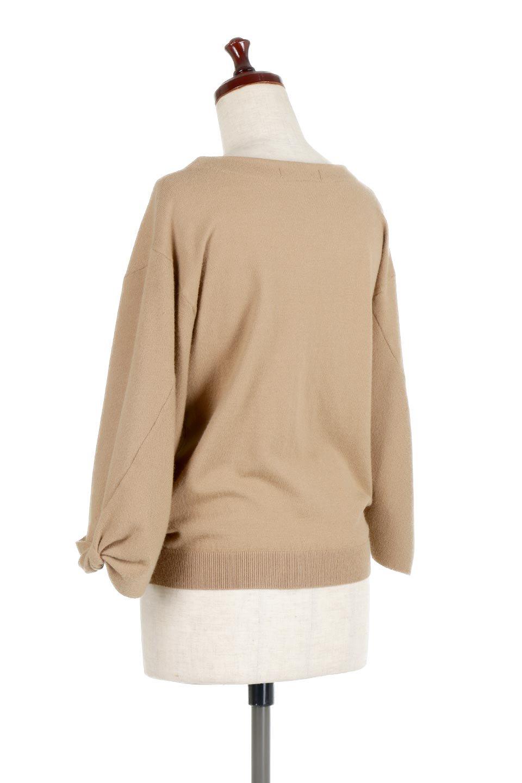 3DTwistSleeveKnitTopツイストスリーブ・ニットトップス大人カジュアルに最適な海外ファッションのothers(その他インポートアイテム)のトップスやニット・セーター。ねじれた袖とモチッと柔か質感が特徴のニットプルオーバー。レーヨン混の糸はチクチクする事無く肌触り◎空きすぎないボートネックの抜け感が上品です。/main-8