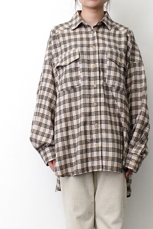 CheckPatternedFlannelBigShirtsチェック柄・ビッグネルシャツ大人カジュアルに最適な海外ファッションのothers(その他インポートアイテム)のトップスやシャツ・ブラウス。シャツジャケットとしても活躍するビッグサイズのネルシャツ。秋に嬉しい生地感とカラーリングで人気の商品です。/main-23