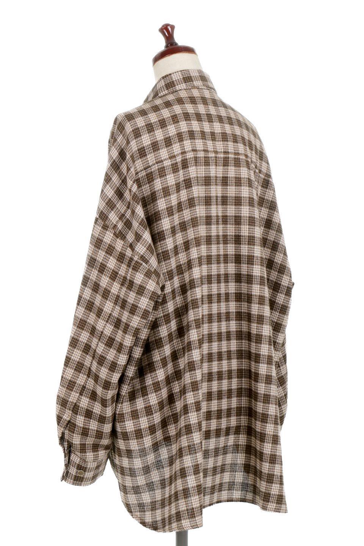 CheckPatternedFlannelBigShirtsチェック柄・ビッグネルシャツ大人カジュアルに最適な海外ファッションのothers(その他インポートアイテム)のトップスやシャツ・ブラウス。シャツジャケットとしても活躍するビッグサイズのネルシャツ。秋に嬉しい生地感とカラーリングで人気の商品です。/main-3