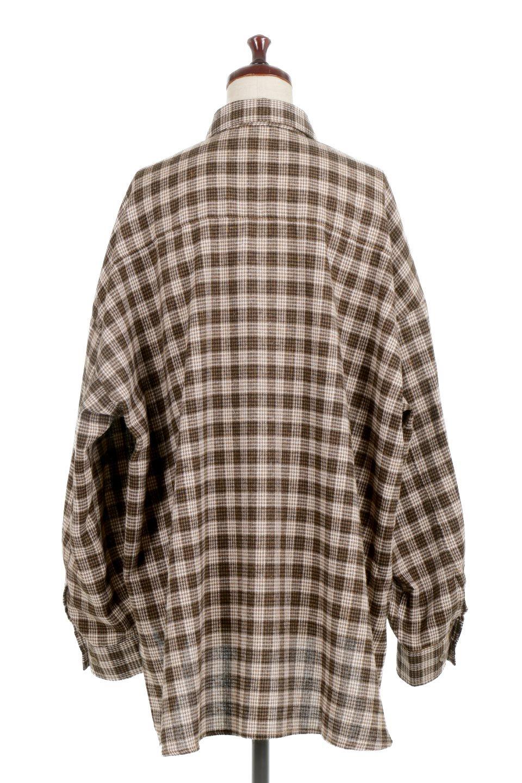 CheckPatternedFlannelBigShirtsチェック柄・ビッグネルシャツ大人カジュアルに最適な海外ファッションのothers(その他インポートアイテム)のトップスやシャツ・ブラウス。シャツジャケットとしても活躍するビッグサイズのネルシャツ。秋に嬉しい生地感とカラーリングで人気の商品です。/main-4