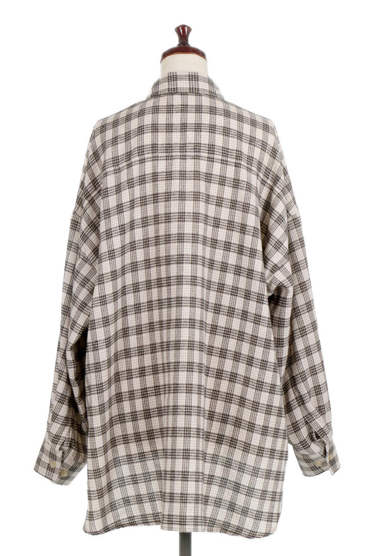 CheckPatternedFlannelBigShirtsチェック柄・ビッグネルシャツ大人カジュアルに最適な海外ファッションのothers(その他インポートアイテム)のトップスやシャツ・ブラウス。シャツジャケットとしても活躍するビッグサイズのネルシャツ。秋に嬉しい生地感とカラーリングで人気の商品です。/main-9