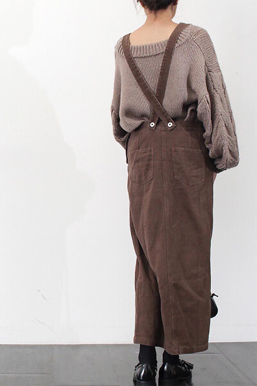 SemiTightJumperDressセミタイト・ジャンパースカート大人カジュアルに最適な海外ファッションのothers(その他インポートアイテム)のワンピースやマキシワンピース。ワークテイストのロング丈ジャンパースカート。セミタイトのシルエットでガーリーになりすぎない大人っぽいコーデが楽しめます。/main-26