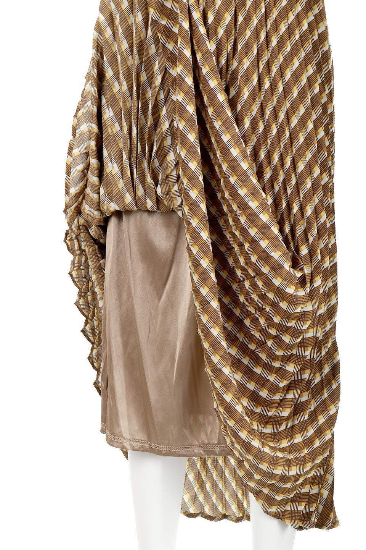 CheckPanelPleatedSkirtバイアス切換え・プリーツスカート大人カジュアルに最適な海外ファッションのothers(その他インポートアイテム)のボトムやスカート。トレンドのプリーツアイテムをチェック柄とMIXさせた可愛いスカート。チェックの記事はバイアス(斜め)に切り替えて表情豊かな仕上がりになっていますレトロな雰囲気も感じるおすすめのスカートです。/main-16