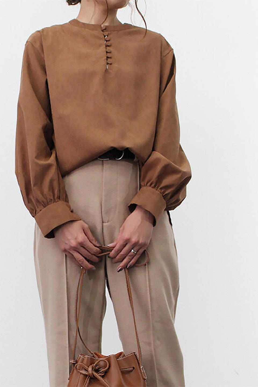 PeachFace2WayBlouseピーチフェイス加工・2Wayブラウス大人カジュアルに最適な海外ファッションのothers(その他インポートアイテム)のトップスやシャツ・ブラウス。前後どちらでも楽しめる2Wayタイプの長袖ブラウス。表面を起毛させたピーチフェイス加工で温もりのある肌触りです。/main-23