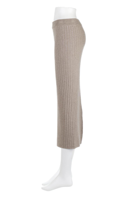 RibKnittedPencilSkirt(Long)リブニット・ペンシルスカート大人カジュアルに最適な海外ファッションのothers(その他インポートアイテム)のボトムやスカート。スタイルがよく見えると大人気のリブニット・ペンシルスカート。窮屈過ぎないフィット感で下半身を引き締めてくれる足長スカートです。/main-2