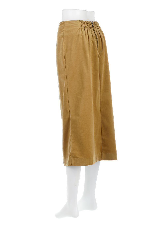 VelourSemiTightSkirtベロア生地・セミタイトスカート大人カジュアルに最適な海外ファッションのothers(その他インポートアイテム)のボトムやスカート。控えめな光沢が上品なベロアスカート。合わせやすい秋冬カラーのバリエーションで色違いで欲しくなります。/main-3