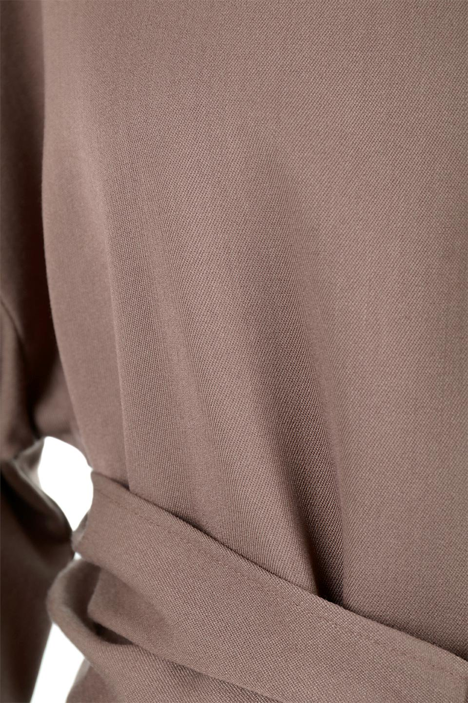 WaistTiedTwistBackBlouseウエストリボン・ツイストバックブラウス大人カジュアルに最適な海外ファッションのothers(その他インポートアイテム)のトップスやカットソー。背中からのびるリボンが可愛い長袖ブラウス。フロントのリボンはもちろん、バックのネジネジも可愛いデザインです。/main-16