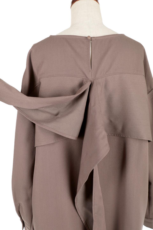 WaistTiedTwistBackBlouseウエストリボン・ツイストバックブラウス大人カジュアルに最適な海外ファッションのothers(その他インポートアイテム)のトップスやカットソー。背中からのびるリボンが可愛い長袖ブラウス。フロントのリボンはもちろん、バックのネジネジも可愛いデザインです。/main-17