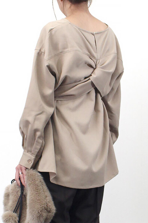 WaistTiedTwistBackBlouseウエストリボン・ツイストバックブラウス大人カジュアルに最適な海外ファッションのothers(その他インポートアイテム)のトップスやカットソー。背中からのびるリボンが可愛い長袖ブラウス。フロントのリボンはもちろん、バックのネジネジも可愛いデザインです。/main-21