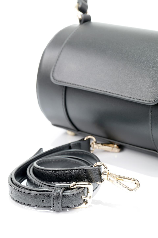 meliebiancoのBrooke(Black)ワンハンドル・筒型ミニバッグ/海外ファッション好きにオススメのインポートバッグとかばん、MelieBianco(メリービアンコ)のバッグやハンドバッグ。コロンと可愛い樽型のミニハンドバッグ。芯入りのビーガンレザーなので綺麗な筒状の形は型崩れの心配なし。/main-6