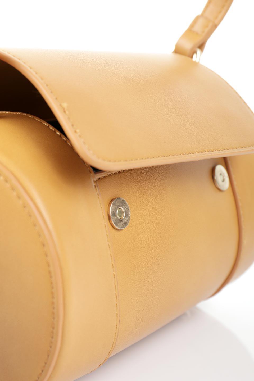 meliebiancoのBrooke(Masterd)ワンハンドル・筒型ミニバッグ/海外ファッション好きにオススメのインポートバッグとかばん、MelieBianco(メリービアンコ)のバッグやハンドバッグ。コロンと可愛い樽型のミニハンドバッグ。芯入りのビーガンレザーなので綺麗な筒状の形は型崩れの心配なし。/main-10