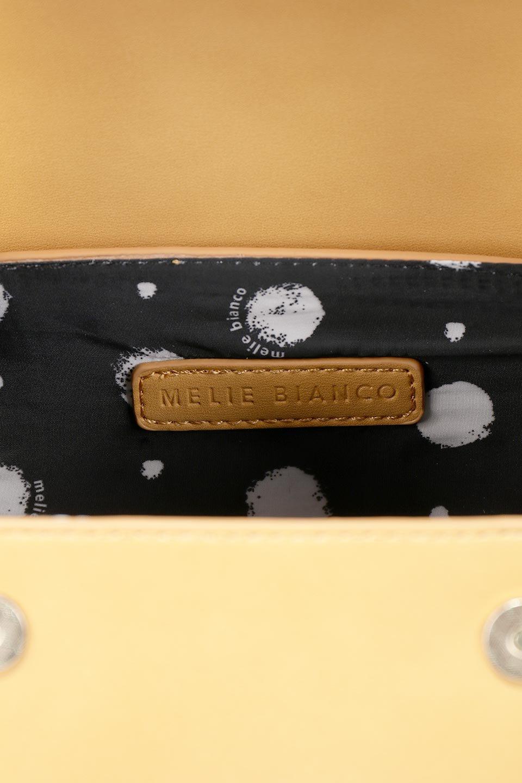 meliebiancoのBrooke(Masterd)ワンハンドル・筒型ミニバッグ/海外ファッション好きにオススメのインポートバッグとかばん、MelieBianco(メリービアンコ)のバッグやハンドバッグ。コロンと可愛い樽型のミニハンドバッグ。芯入りのビーガンレザーなので綺麗な筒状の形は型崩れの心配なし。/main-11