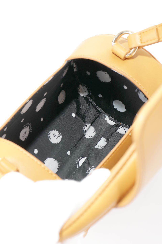 meliebiancoのBrooke(Masterd)ワンハンドル・筒型ミニバッグ/海外ファッション好きにオススメのインポートバッグとかばん、MelieBianco(メリービアンコ)のバッグやハンドバッグ。コロンと可愛い樽型のミニハンドバッグ。芯入りのビーガンレザーなので綺麗な筒状の形は型崩れの心配なし。/main-12