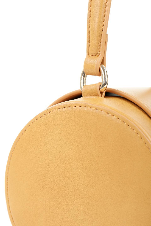 meliebiancoのBrooke(Masterd)ワンハンドル・筒型ミニバッグ/海外ファッション好きにオススメのインポートバッグとかばん、MelieBianco(メリービアンコ)のバッグやハンドバッグ。コロンと可愛い樽型のミニハンドバッグ。芯入りのビーガンレザーなので綺麗な筒状の形は型崩れの心配なし。/main-8
