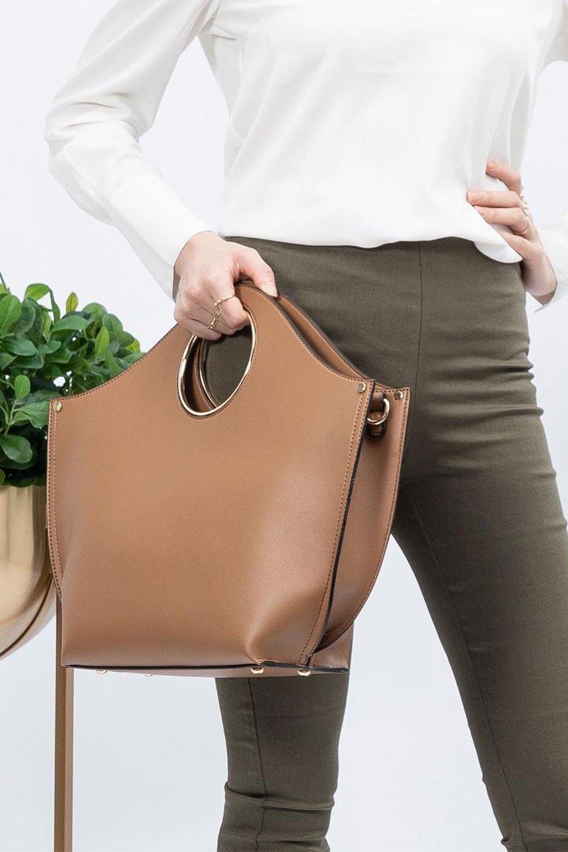 meliebiancoのHeather(Camel)リングハンドル・トートバッグ/海外ファッション好きにオススメのインポートバッグとかばん、MelieBianco(メリービアンコ)のバッグやトートバッグ。なめらかなアーチ状のデザインが可愛いシンプルトートバッグ。無駄を省いたシルエットは上品でエレガントな雰囲気を醸し出しています。/main-17