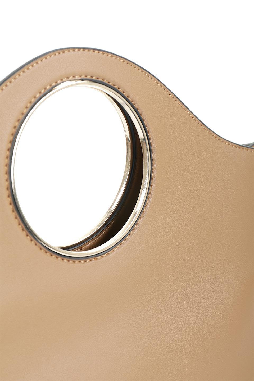 meliebiancoのHeather(Camel)リングハンドル・トートバッグ/海外ファッション好きにオススメのインポートバッグとかばん、MelieBianco(メリービアンコ)のバッグやトートバッグ。なめらかなアーチ状のデザインが可愛いシンプルトートバッグ。無駄を省いたシルエットは上品でエレガントな雰囲気を醸し出しています。/main-5
