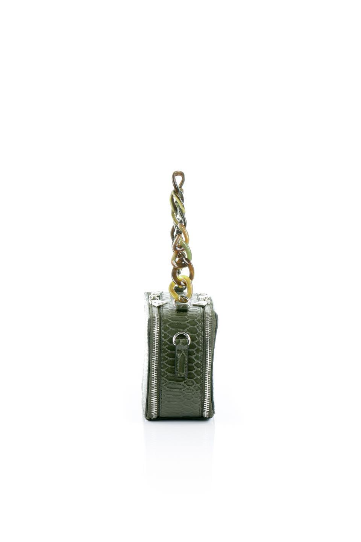 meliebiancoのDemi(Olive)スクエア・ミニショルダーバッグ/海外ファッション好きにオススメのインポートバッグとかばん、MelieBianco(メリービアンコ)のバッグやハンドバッグ。上品な光沢のクロコダイルの型押しが美しいスクエアタイプのミニハンドバッグ。艶めかしい型押しのマテリアルとべっ甲調のチェーンハンドルが◎ファスナーで前後に開くユニークなスタイルも目を引きます。/main-2