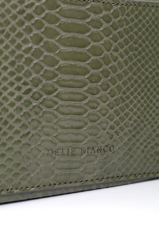 meliebiancoのDemi(Olive)スクエア・ミニショルダーバッグ/海外ファッション好きにオススメのインポートバッグとかばん、MelieBianco(メリービアンコ)のバッグやハンドバッグ。上品な光沢のクロコダイルの型押しが美しいスクエアタイプのミニハンドバッグ。艶めかしい型押しのマテリアルとべっ甲調のチェーンハンドルが◎ファスナーで前後に開くユニークなスタイルも目を引きます。/main-8