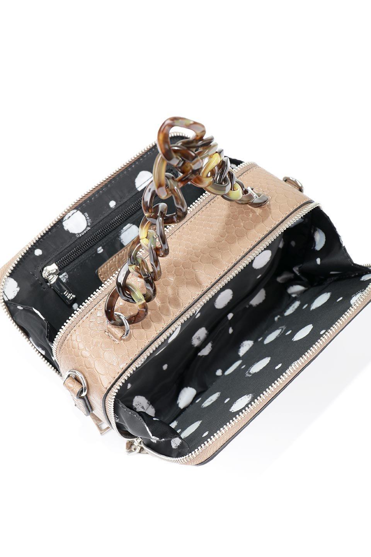 meliebiancoのDemi(Taupe)スクエア・ミニショルダーバッグ/海外ファッション好きにオススメのインポートバッグとかばん、MelieBianco(メリービアンコ)のバッグやハンドバッグ。上品な光沢のクロコダイルの型押しが美しいスクエアタイプのミニハンドバッグ。艶めかしい型押しのマテリアルとべっ甲調のチェーンハンドルが◎ファスナーで前後に開くユニークなスタイルも目を引きます。/main-12