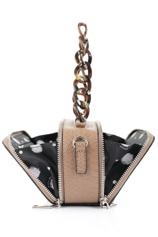 meliebiancoのDemi(Taupe)スクエア・ミニショルダーバッグ/海外ファッション好きにオススメのインポートバッグとかばん、MelieBianco(メリービアンコ)のバッグやハンドバッグ。上品な光沢のクロコダイルの型押しが美しいスクエアタイプのミニハンドバッグ。艶めかしい型押しのマテリアルとべっ甲調のチェーンハンドルが◎ファスナーで前後に開くユニークなスタイルも目を引きます。/main-13
