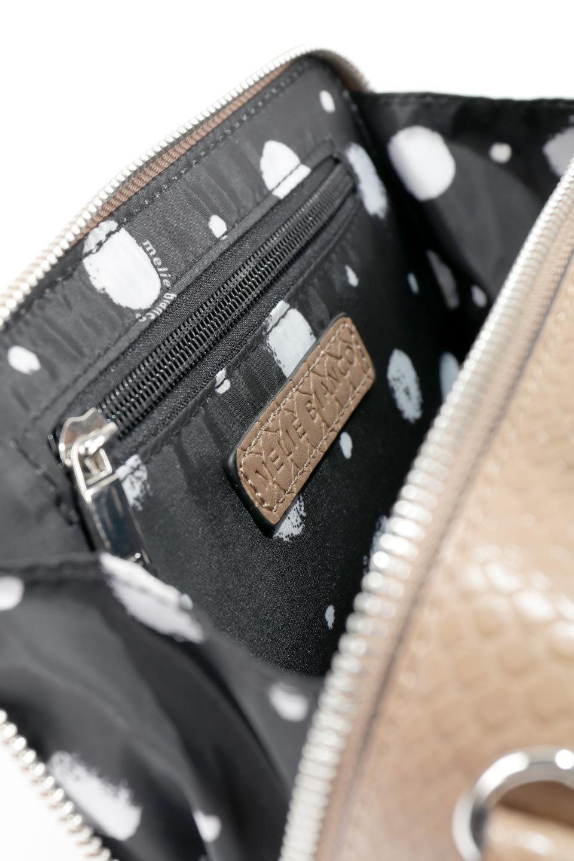 meliebiancoのDemi(Taupe)スクエア・ミニショルダーバッグ/海外ファッション好きにオススメのインポートバッグとかばん、MelieBianco(メリービアンコ)のバッグやハンドバッグ。上品な光沢のクロコダイルの型押しが美しいスクエアタイプのミニハンドバッグ。艶めかしい型押しのマテリアルとべっ甲調のチェーンハンドルが◎ファスナーで前後に開くユニークなスタイルも目を引きます。/main-15
