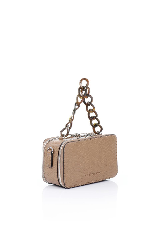 meliebiancoのDemi(Taupe)スクエア・ミニショルダーバッグ/海外ファッション好きにオススメのインポートバッグとかばん、MelieBianco(メリービアンコ)のバッグやハンドバッグ。上品な光沢のクロコダイルの型押しが美しいスクエアタイプのミニハンドバッグ。艶めかしい型押しのマテリアルとべっ甲調のチェーンハンドルが◎ファスナーで前後に開くユニークなスタイルも目を引きます。/main-3