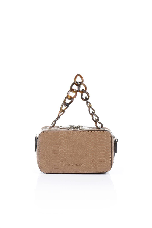 meliebiancoのDemi(Taupe)スクエア・ミニショルダーバッグ/海外ファッション好きにオススメのインポートバッグとかばん、MelieBianco(メリービアンコ)のバッグやハンドバッグ。上品な光沢のクロコダイルの型押しが美しいスクエアタイプのミニハンドバッグ。艶めかしい型押しのマテリアルとべっ甲調のチェーンハンドルが◎ファスナーで前後に開くユニークなスタイルも目を引きます。/main-4
