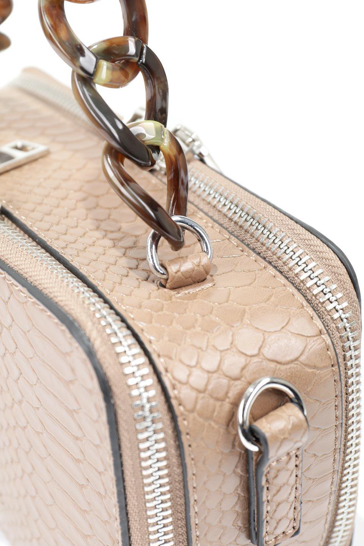 meliebiancoのDemi(Taupe)スクエア・ミニショルダーバッグ/海外ファッション好きにオススメのインポートバッグとかばん、MelieBianco(メリービアンコ)のバッグやハンドバッグ。上品な光沢のクロコダイルの型押しが美しいスクエアタイプのミニハンドバッグ。艶めかしい型押しのマテリアルとべっ甲調のチェーンハンドルが◎ファスナーで前後に開くユニークなスタイルも目を引きます。/main-7