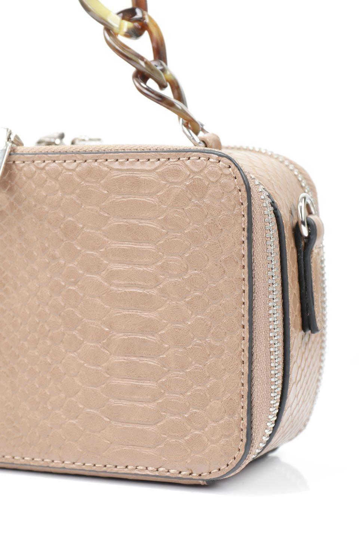 meliebiancoのDemi(Taupe)スクエア・ミニショルダーバッグ/海外ファッション好きにオススメのインポートバッグとかばん、MelieBianco(メリービアンコ)のバッグやハンドバッグ。上品な光沢のクロコダイルの型押しが美しいスクエアタイプのミニハンドバッグ。艶めかしい型押しのマテリアルとべっ甲調のチェーンハンドルが◎ファスナーで前後に開くユニークなスタイルも目を引きます。/main-8