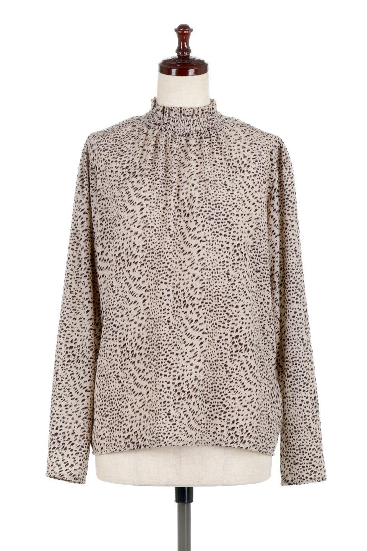 LeopardPrintedGatherNeckBlouseレオパード柄・ギャザーネックブラウス大人カジュアルに最適な海外ファッションのothers(その他インポートアイテム)のトップスやシャツ・ブラウス。様々なアウター類のインナーとして着まわせるレオパードのブラウス。もちろんブラウスだけでも可愛いデザインで、いつものコーデが華やかになります。/main-5