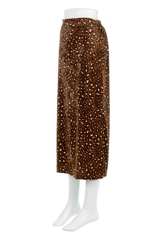 LeopardVelourSemiTightSkirtレオパード柄・ベロアタイトスカート大人カジュアルに最適な海外ファッションのothers(その他インポートアイテム)のボトムやスカート。人気のレオパード柄をベロア生地にプリントしたセミタイトスカート。ブラウン系の色展開でコーディネートのしやすさも抜群なスカートです。/main-1