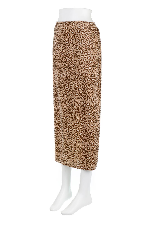 LeopardVelourSemiTightSkirtレオパード柄・ベロアタイトスカート大人カジュアルに最適な海外ファッションのothers(その他インポートアイテム)のボトムやスカート。人気のレオパード柄をベロア生地にプリントしたセミタイトスカート。ブラウン系の色展開でコーディネートのしやすさも抜群なスカートです。/main-11